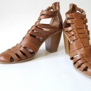 NWOT Dolcetta Sandals / Boots